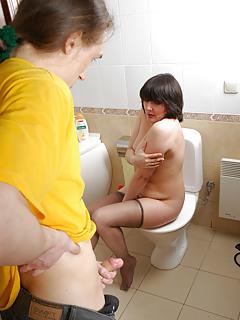 Mature Toilet Pics
