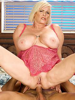 old mature anal porn MILF Sex Photos.