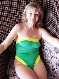Mature Swimsuit Porn